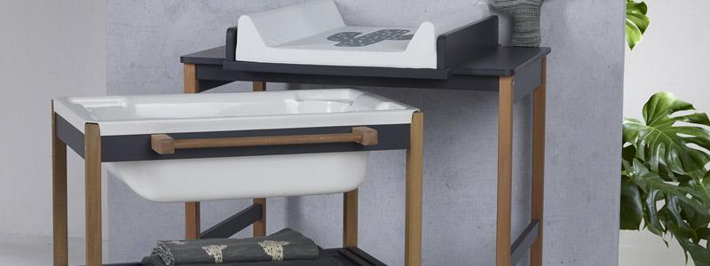 Exemple de table à langer avec baignoire pour bébé