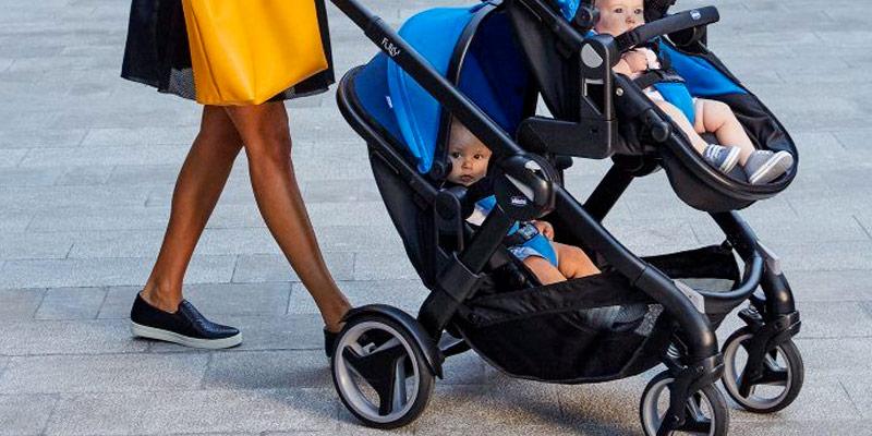 Comparatif poussette double - Quel poussette acheter quand on a 2 enfants du même âge ?