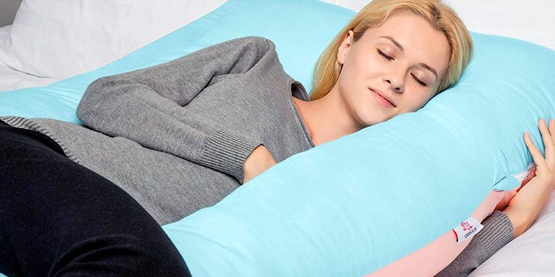 Coussin d'allaitement ou coussin de grossesse pour les mamans ?