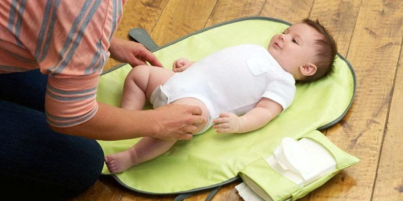 Les meilleurs tapis à langer pour bébé
