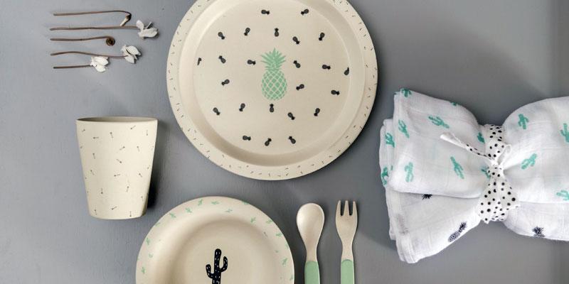 Exemple de set de vaisselle en bambou pour les bébés